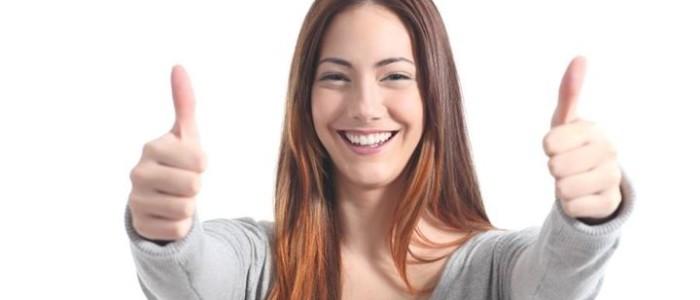usměvavá dívčí tvář